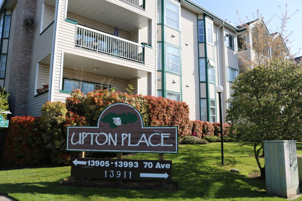 13905 13993 70 avenue upton place south surrey for Upton builders